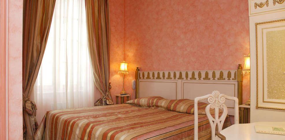 Hotel domaine des th meaux charmehotel mosnes 37 - Chambre thema parijs ...