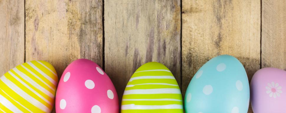 Week-end de Pâques : ses œufs en chocolat, ses cloches, le retour du printemps.... Et si pour changer vous partiez en week-end? Escapade romantique, en famille, en bord de mer ou à la campagne : ne manquez pas toutes nos meilleures offres en France, mais aussi en Belgique, Espagne, Italie ou Pays Bas. Profitez de ces trois jours pour vous évader au meilleur prix le temps du week-end de Pâques et satisfaire vos envies !