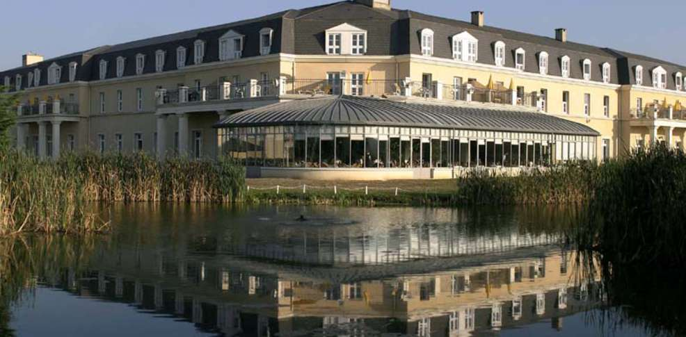 H tel be dolce chantilly h tel de charme chantilly for Hotel piscine chantilly