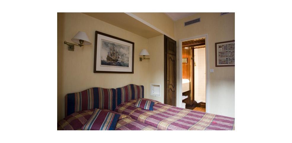 h tel bailli de suffren tour eiffel h tel de charme paris. Black Bedroom Furniture Sets. Home Design Ideas