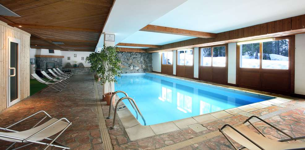Hotel piscine interieure rhone alpes 28 images de l h for Hotel piscine interieur