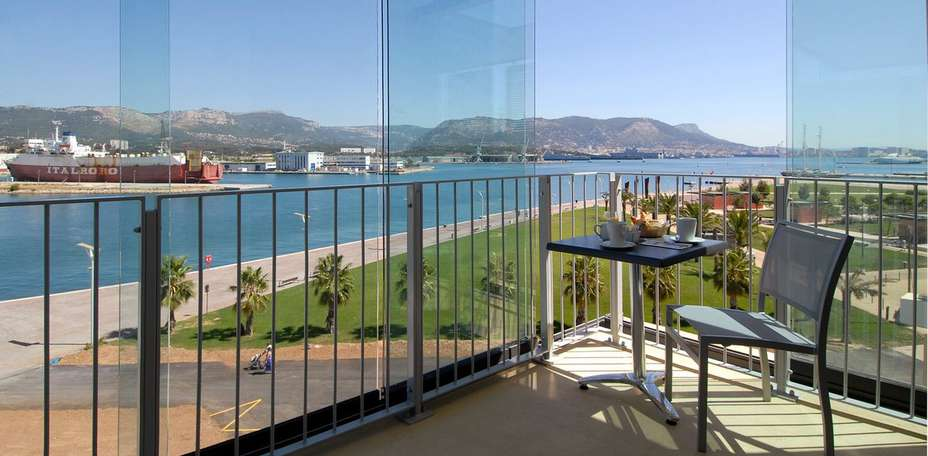 Foyer Du Marin Hotel Toulon : Hôtel kyriad prestige toulon de charme la seyne sur