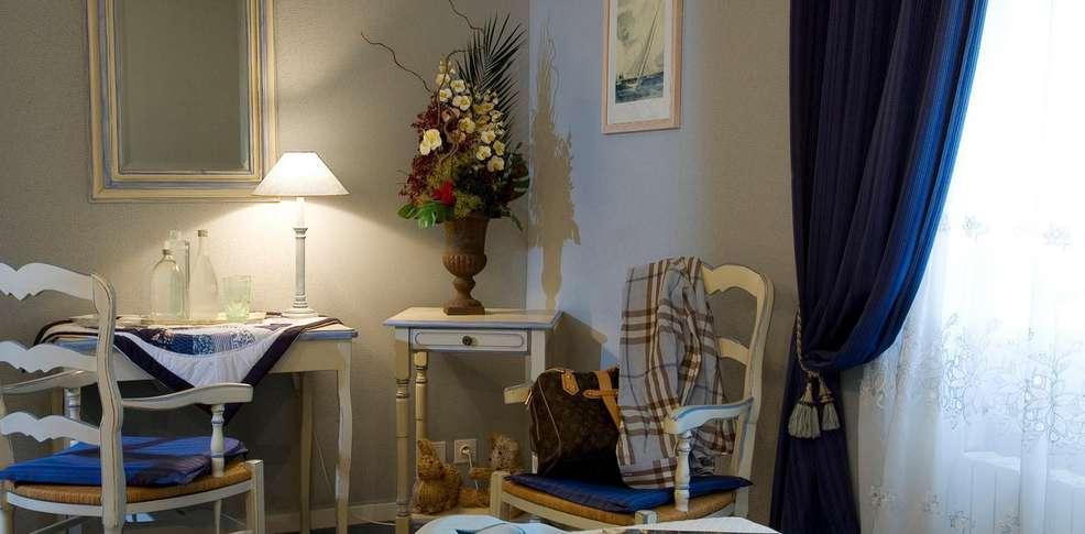 H tel paris rome charmehotel menton - Chambre thema parijs ...