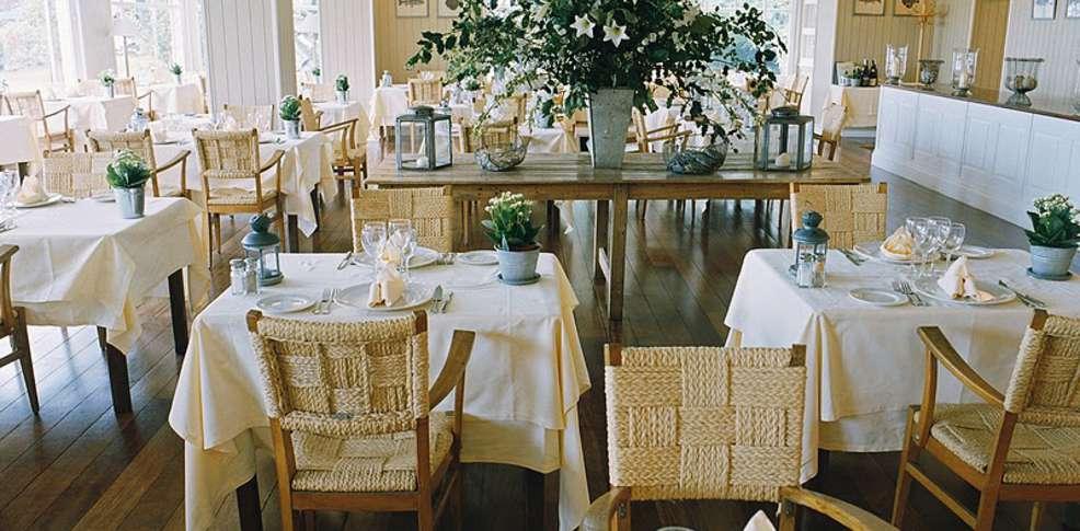 Grand h tel des bains charmehotel locquirec 29 for Restaurant grand hotel des bains