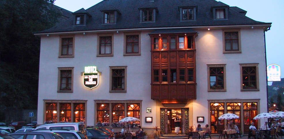 Best western hotel la porte de france charmehotel bouillon for Porte western cuisine