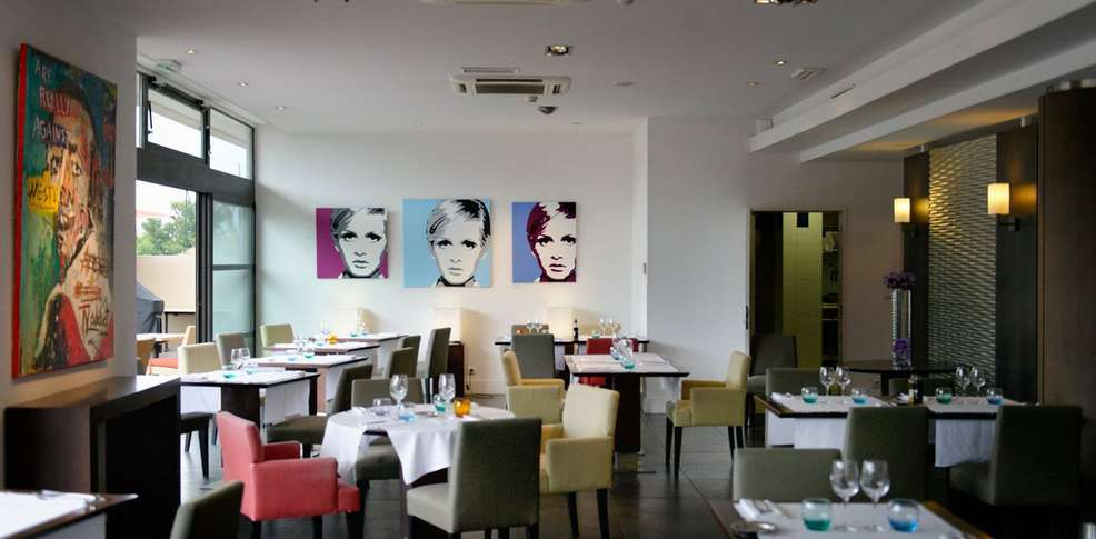 New h tel of marseille h tel de charme marseille 13 for Reservation hotel paca