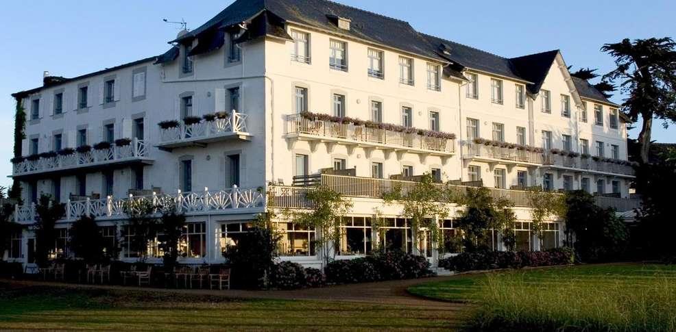 Grand h tel des bains h tel de charme locquirec 29 for Hotel des bains paris