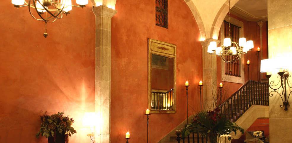 Hotel duquesa de cardona h tel de charme barcelone - Hotel duques de cardona ...