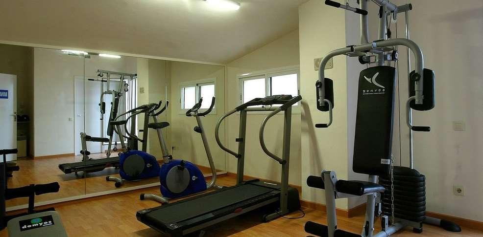 h tel atenea park suites apartments h tel de charme vilanova i la geltru. Black Bedroom Furniture Sets. Home Design Ideas