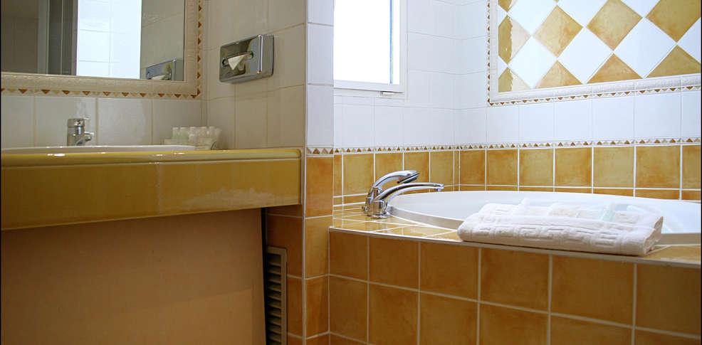 H tel villa beaumarchais h tel de charme paris for Reservation hotel a paris gratuit