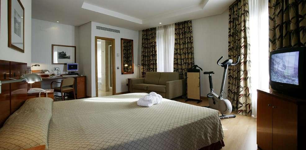 Hotel petit palace londres hotel madrid for Londres hotel madrid