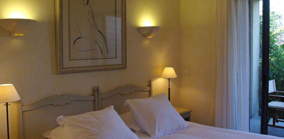 Hotel b design spa h tel de charme paradou for Hotel design paca
