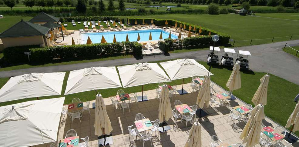 H tel dolce chantilly h tel de charme chantilly 60 for Piscine chantilly