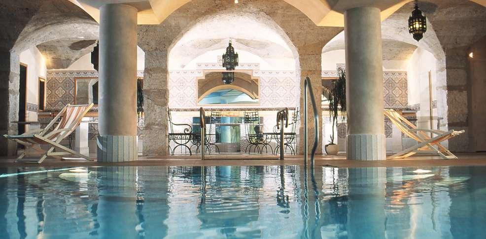 H tel le manoir h tel de charme aix les bains for Tarif piscine aix les bains