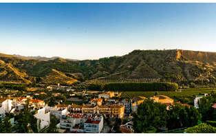 Oferta exclusiva: Escapada Romántica con Cena cerca de Granada (desde 2 noches)