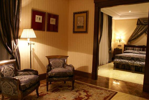 Hotel Real de Bohoyo - Junior_Suite.jpg