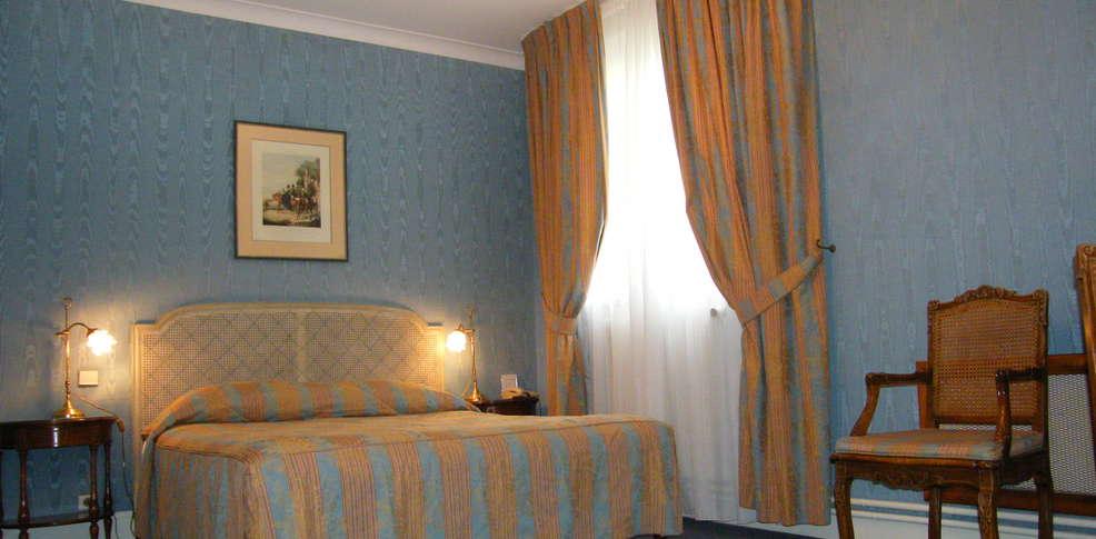 grand h tel des templiers h tel de charme reims. Black Bedroom Furniture Sets. Home Design Ideas