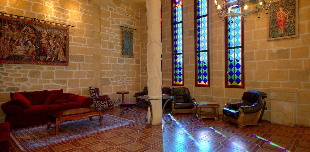 Hotel castillo bonav a hotel zaragoza - Hotel castillo de ayud ...