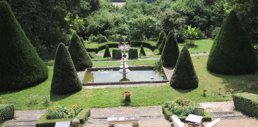 H tel montbrun h tel de charme saint maures de touraines - Jardin suspendu brussels montpellier ...