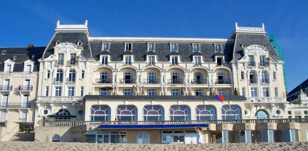 Grand h tel de cabourg h tel de charme cabourg for Grand hotel de paris madrid