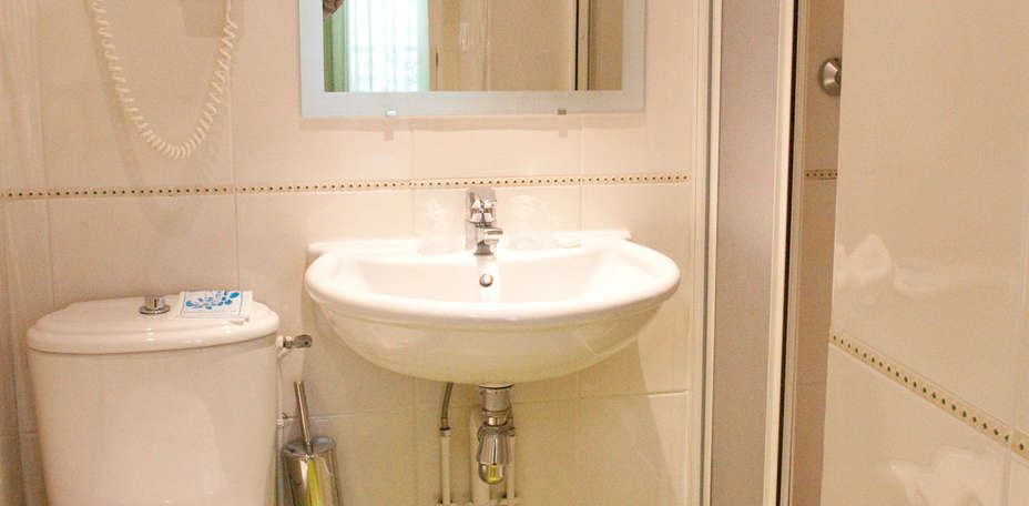 Htel Cervantes - Salle de bain standard