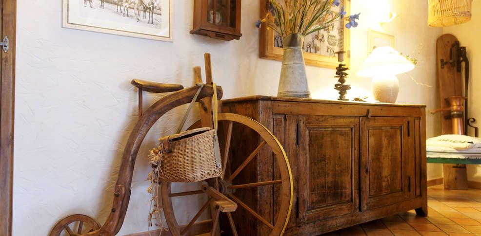 Foyer Marcel Lyon Salon De Provence : Hôtel la grange aux marmottes de charme viscos