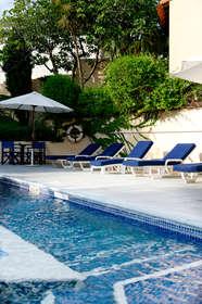 Week end culturel marseille partir de 150 for Hotel piscine interieure paca