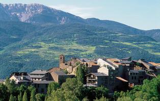 Escapada con cena en un hotel rústico en los Pirineos Catalanes (desde 2 noches)