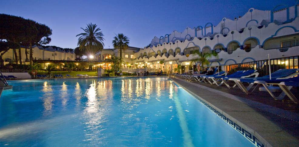 Hotel vime la reserva de marbella hotel marbella for Piscine marbella