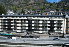 Magic Andorra - Façade