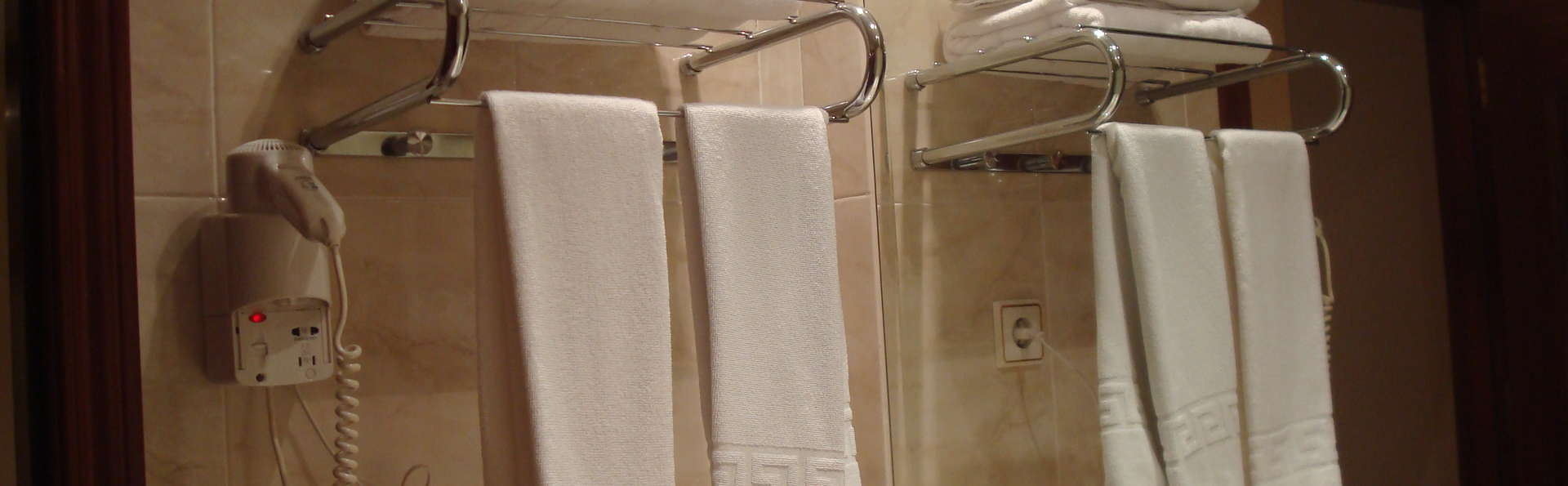 Hotel Roma Aurea - bano.JPG