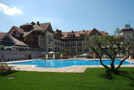 Gran Hotel Balneario de Puente Viesgo - Piscine extérieure