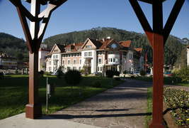 Gran Hotel Balneario de Puente Viesgo - Façade