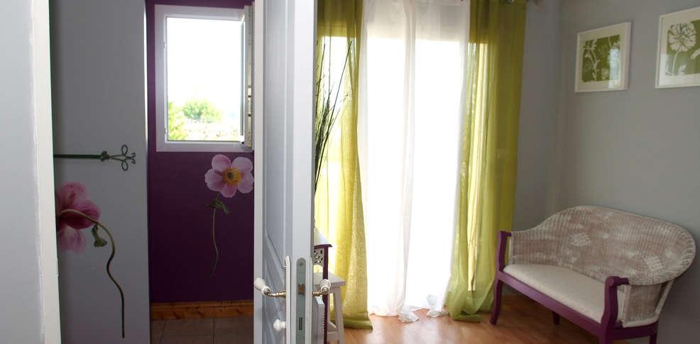 Hotel chambres et table d 39 h tes beauregard charmehotel neuvicq - Chambre thema parijs ...