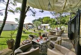 Hôtel  Restaurant & SPA Plaisir -