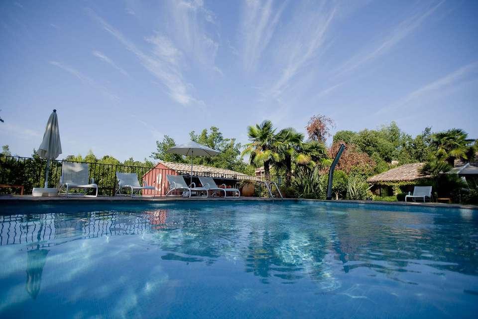 Week end de luxe vence avec verre de bienvenue pour 2 for Hotel piscine interieure paca