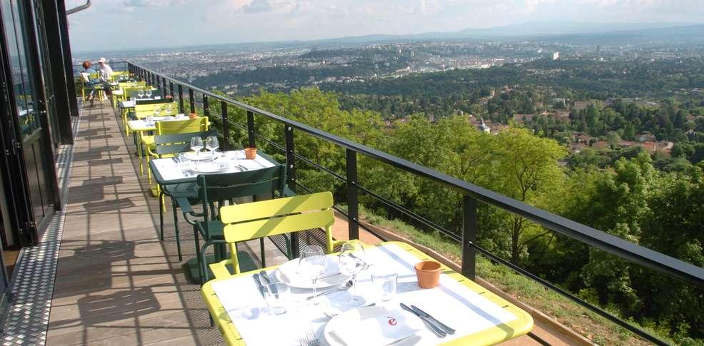 l ermitage h 244 tel cuisine 224 manger charmehotel cyr au mont d or
