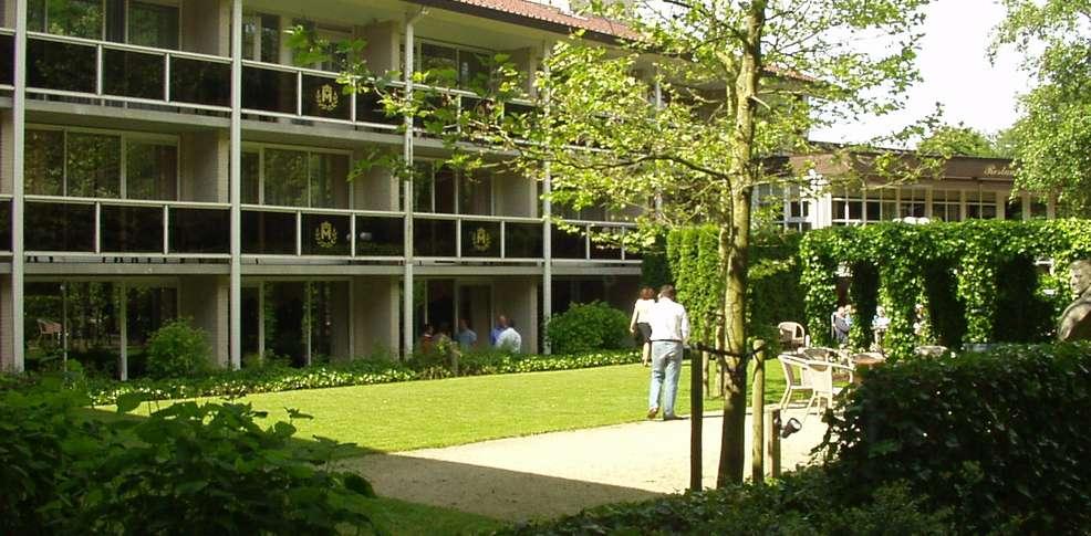 Hampshire hotel jan van scorel h tel de charme schoorl - Jardin suspendu brussels montpellier ...