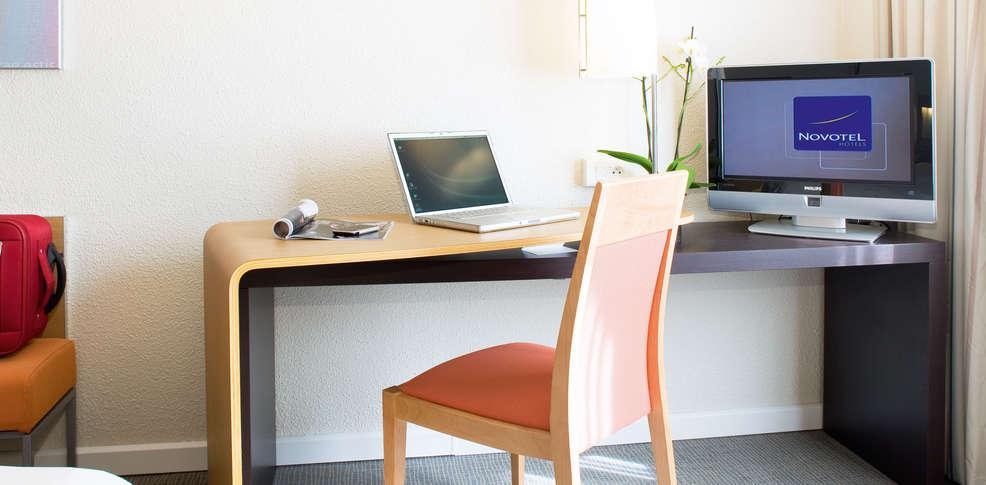 h tel novotel orl ans la source h tel de charme orl ans. Black Bedroom Furniture Sets. Home Design Ideas