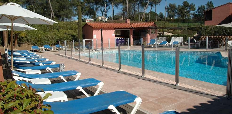 H tel domaine de l 39 albatros h tel de charme mouans sartoux for Hotel piscine interieure paca