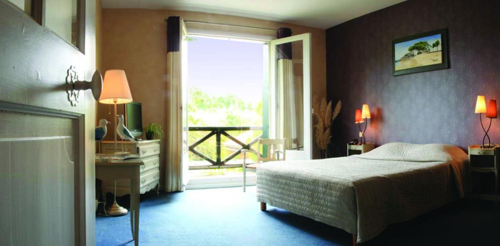 H tel saint paul charmehotel noirmoutier en l 39 le - Chambre thema parijs ...