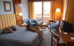 Escapada romántica en Cantabria con detalles en la habitación