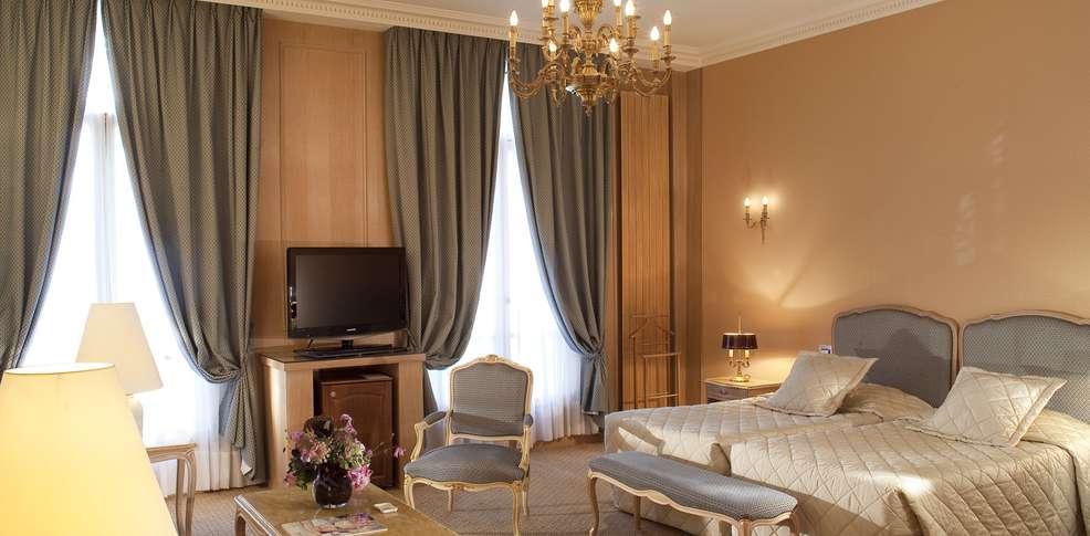 H tel ch teau frontenac inactif h tel de charme paris for Reservation hotel a paris gratuit