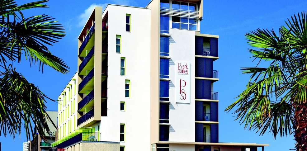 h tel appart city confort tours h tel de charme tours. Black Bedroom Furniture Sets. Home Design Ideas