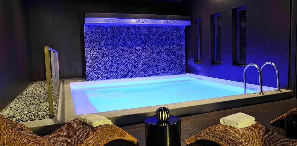 H tel quality suites bordeaux m rignac h tel de charme for Bordeaux hotel de charme