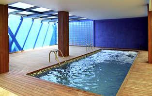 Escapada en pareja con piscina climatizada en el Delta del Ebro