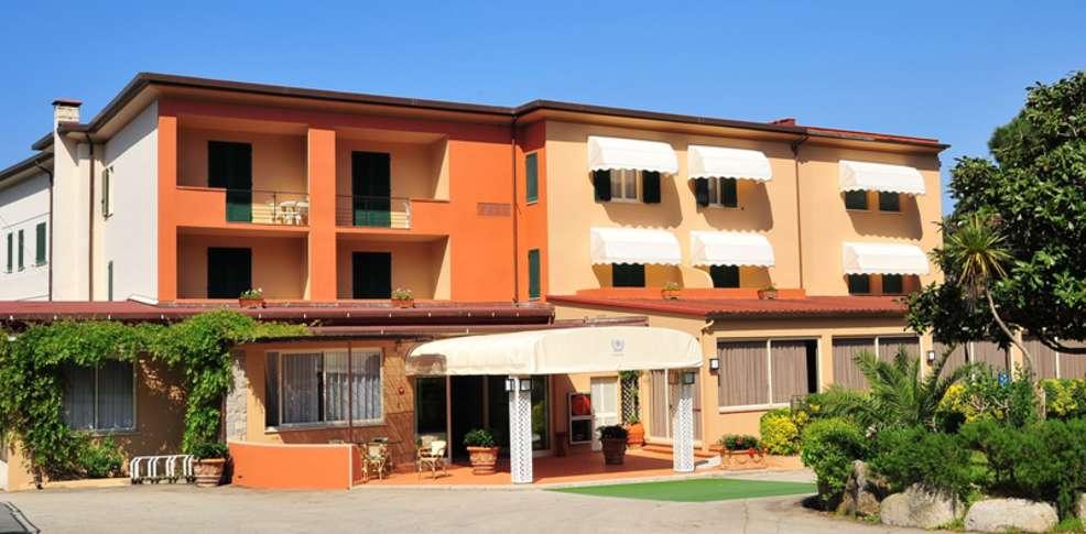 Hotel desir e h tel de charme procchio for Reservation hotel pas chere