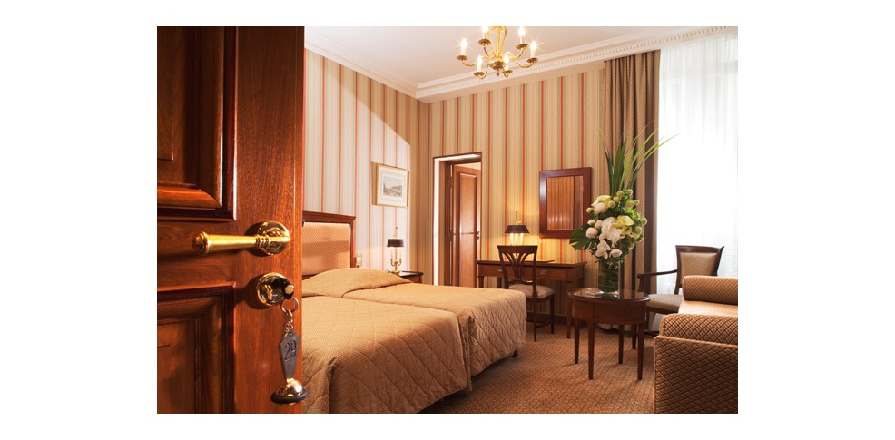 H tel franklin roosevelt inactif charmehotel parijs - Chambre thema parijs ...