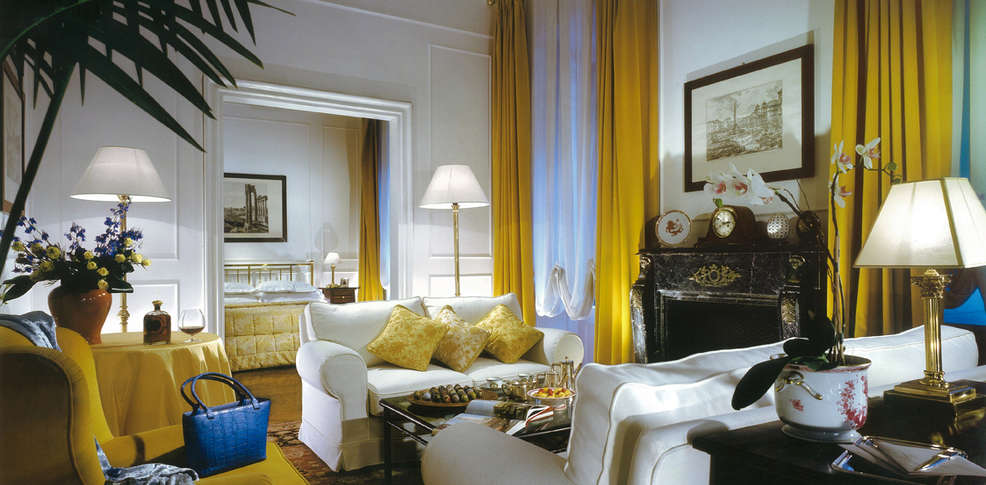 grand hotel plaza h tel de charme rome. Black Bedroom Furniture Sets. Home Design Ideas