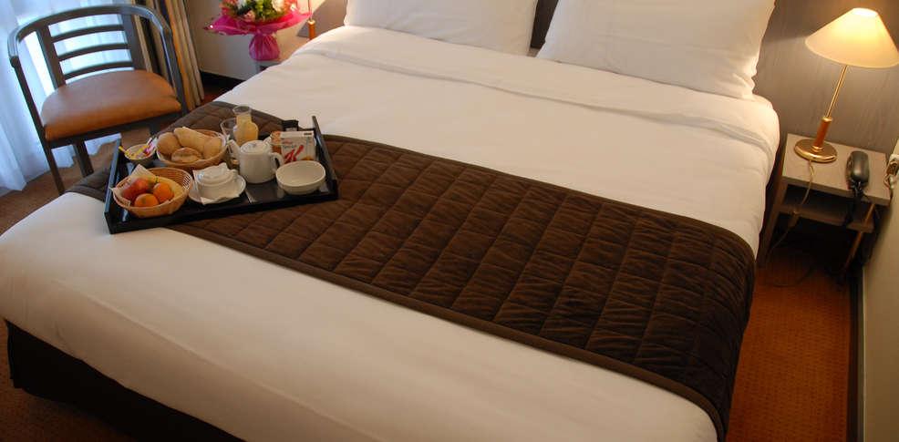 Hotel les portes de sologne golf and spa charmehotel ardon 45 - Chambre thema parijs ...
